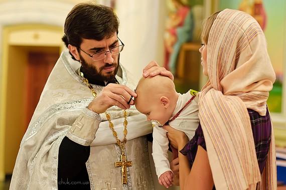 видеосъемка крещения ребенка, видеосъемка крестин